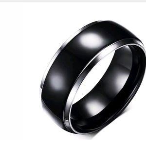 GORGEOUS WEDDING BAND NEW 8